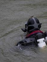 8 mei Brandweer zoekt in water na aantreffen fiets Westblok Delft