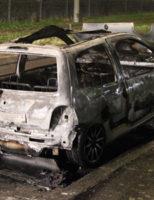 15 februari Auto gaat volledig in vlammen op Laan van Wateringseveld Den Haag