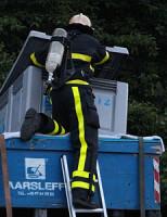9 juli Containers op vrachtwagen lekken vloeistof