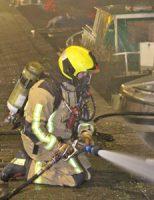 24 januari Motorjacht uitgebrand; mogelijk brandstichting Verheeskade Den Haag [VIDEO]