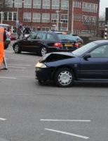 17 maart Flinke schade door aanrijding tussen twee voertuigen Veluweplein Den Haag