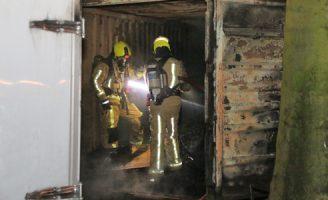 11 augustus Brandweer blust brand in bestelbus en container Liszstraat Delft