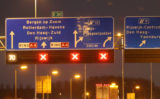 20 maart Hulpdiensten rukken groots uit voor busje te water A4 Den Haag