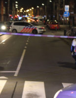 22 maart Gewonde bij aanrijding tussen scooter en personenauto Kempstraat Den Haag