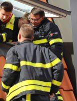 16 april Brandweer rukt uit voor kat achter dakpannen Michiel de Ruyterstraat Ter Heijde