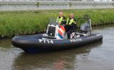 21 mei Politie massaal aanwezig langs vaarroute Opening Heuls vaarseizoen Lange Wateringkade Kwintsheul
