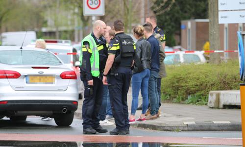 31 maart Politie schiet bij aanhouding in Delftse wijk