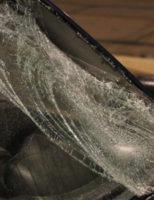 21 februari Man zwaargewond na aanrijding met personenauto Straatweg Rotterdam