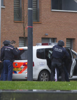24 december Arrestatieteam houd verwarde man aan Palmyraplaats Delft