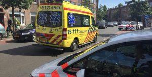 1 juni Politie overmeestert verwarde man op dak Kamperfoeliestraat Den Haag