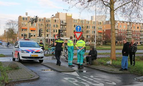 4 april Fietser gewond na aanrijding met scooterrijder Van ... Almondestraat Delft