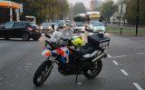 16 oktober Verkeerschaos nadat scooterrijder na aanrijding ten val komt Schaapweg Rijswijk