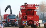 13 december Brandweer takelt gestolen kluis uit water Goudriaankade Den Haag