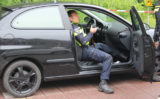 23 mei Auto vliegt uit bocht en raakt lantaarnpaal en daarna scholier op fiets Delfgauwseweg Delft
