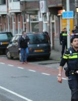 23 februari Arrestatieteam haalt verward persoon uit woning Weteringkade Den Haag