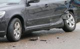 26 februari Veel schade bij aanrijding tussen twee personenauto's Oostpoortweg Delft