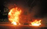 24 mei Auto gaat in vlammen op Sara Burgerhartweg Den Haag [VIDEO]