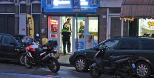 2 april Overval op bel-en computerwinkel Phone Paradise Beeklaan Den Haag