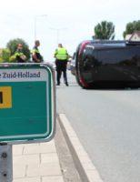 23 juni Auto beland op zijkant bij aanrijding Emmastraat Monster