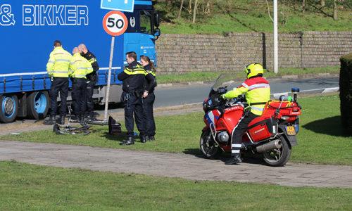 """<h2><a href=""""http://district8.net/1-maart-gewonde-bij-aanrijding-tussen-vrachtwagen-en-fietser-plesmanweg-den-haag.html"""">1 maart Gewonde bij aanrijding tussen vrachtwagen en fietser Plesmanweg Den Haag<a href='http://district8.net/1-maart-gewonde-bij-aanrijding-tussen-vrachtwagen-en-fietser-plesmanweg-den-haag.html#comments' class='comments-small'>(0)</a></a></h2>  Den Haag - De hulpdiensten werden woensdagochtend gealarmeerd voor een ongeval met letsel op de Plesmanweg in Den Haag. Ter plaatse bleek er een aanrijding te hebben plaatsgevonden tussen een"""