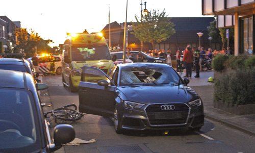 """<h2><a href=""""http://district8.net/25-mei-fietser-ernstig-gewond-na-aanrijding-sand-ambachtstraat-s-gravenzande.html"""">25 mei Fietser ernstig gewond na aanrijding Sand-Ambachtstraat 's-Gravenzande<a href='http://district8.net/25-mei-fietser-ernstig-gewond-na-aanrijding-sand-ambachtstraat-s-gravenzande.html#comments' class='comments-small'>(0)</a></a></h2>  's-Gravenzande - Een fietser is donderdagavond 25 mei ernstig gewond na aangereden te zijn door een automobilist op de kruising Sand-Ambachtstraat met de Van Geeststraat. De fietser reed in een"""