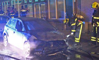 26 mei Brandweer blust autobrand Brueghelstraat Den Haag [VIDEO]