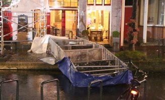 12 november Molslaan in Delft afgesloten na omvallen steiger