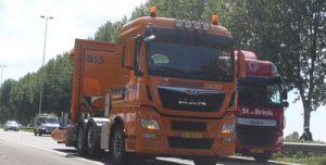 31 mei Flinke file na botsing auto's en vrachtwagen A20 Moordrecht
