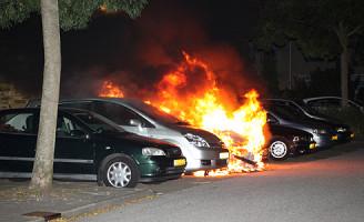 30 september 3 voertuigen in brand Florapad Delft