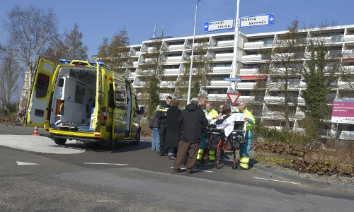 Media Terplaatse_ongeval_ijsselmeerlaan_auto_scooter_ldn_13032015_Image00102