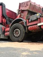17 maart Chaos na kantelen vrachtwagen A13 Rotterdam