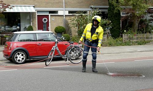 Mediaterplaatse_Ongeval_fietser_auto_oegst_10082013_Image00009