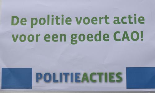 Mediaterplaatse_protest_aktie_politie_leiden_20032015_Image00101