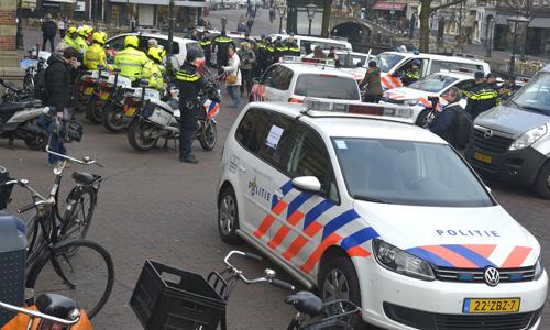 Mediaterplaatse_protest_aktie_politie_leiden_20032015_Image00102