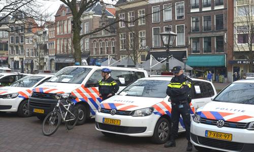 Mediaterplaatse_protest_aktie_politie_leiden_20032015_Image00103