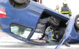 6 februari Auto op de kop na aanrijding tussen twee voertuigen Conradkade Den Haag