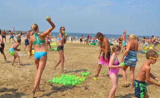 2 augustus Waterballon gevecht op Scheveningen strand