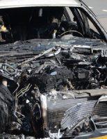 20 april Auto brand volledig uit Benoordehoutseweg Den Haag