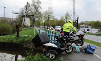 7 april Aanrijding tussen fietser en scooterrijder Kanaalweg Leiden