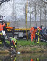 14 maart Auto te water Oostkanaalweg Ter Aar