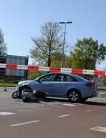 15 april Scooterrijder gewond na aanrijding Einsteinweg Leiden