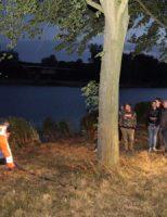 12 juli Auto glijdt het water in Brielse Maasdijk Spijkenisse