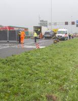 16 november Man overleden na oversteken van de A20 Vlaardingen