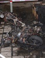14 juni Flinke schade aan auto en woning na scooterbrand Beierlandestraat Schiedam