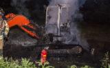 27 mei Graafmachine op gemeentewerf in brand Kooikersweg Vlaardingen