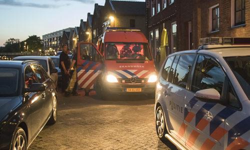 """<h2><a href=""""http://district8.net/31-augustus-dronken-man-fietst-het-water-in-noordvestsingel-schiedam.html"""">31 augustus Dronken man fietst het water in Noordvestsingel Schiedam<a href='http://district8.net/31-augustus-dronken-man-fietst-het-water-in-noordvestsingel-schiedam.html#comments' class='comments-small'>(0)</a></a></h2>  Schiedam - De hulpdiensten zijn woensdagavond met spoed naar de Noordvestsingel in Schiedam gegaan voor een persoon te water. Politie, brandweerduikers, de ambulance en het MMT gingen met spoed op"""
