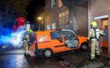 9 oktober Brandende bestelbus tegen gevel Oude Maasstraat Schiedam