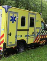 12 augustus Aanrijding tussen twee auto's op kruising Lepelaarsingel Vlaardingen