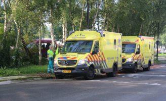19 september Twee ambulances voor een kop-staart botsing Dillenburgsingel Vlaardingen