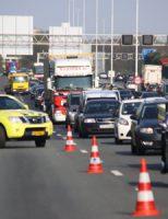 19 april Flinke file na ongeval op de A20 Schiedam